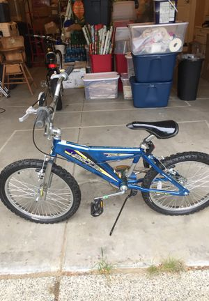 """Vertical 16"""""""" BMX bike for Sale in Bothell, WA"""