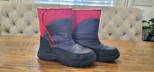 Snow boots kids size 5 for Sale in Long Beach, CA