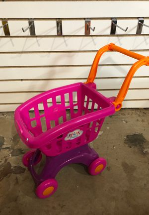 Toys shopping cart 🛒 girls toys great condition for Sale in Perris, CA