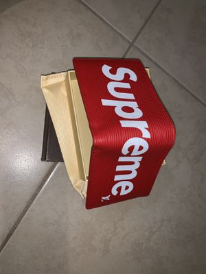 Supreme wallet for Sale in Kissimmee, FL