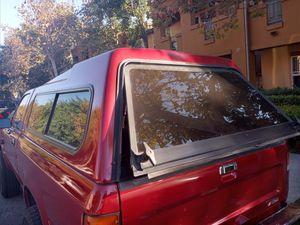 Camper toyota 1989 to 1995 is very good condition (hablo español) for Sale in Los Angeles, CA