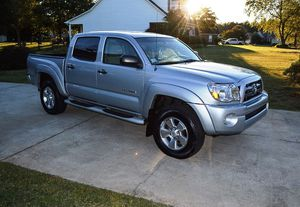 Reduced Price 2005 Toyota Tacoma 4WDWheels Excellent for Sale in Hialeah, FL