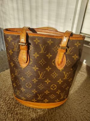 Louis Vuitton Bucket Bag for Sale in Silver Springs, FL