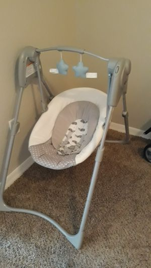 Graco Slim Spaces Compact Baby Swing for Sale in Chandler, AZ