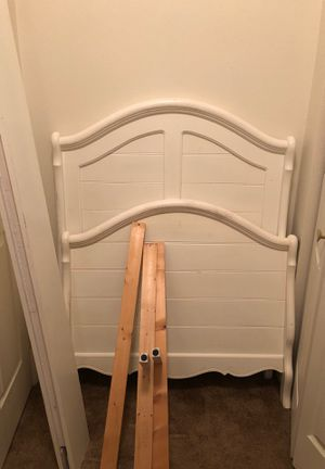 Twin bed frame. (No screws) for Sale in Greeley, CO