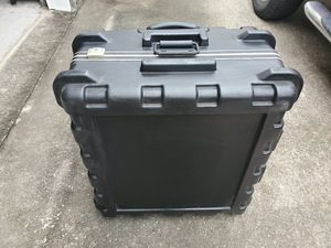 Hard Shell Road case with wheels/locks for Sale in Nederland, TX