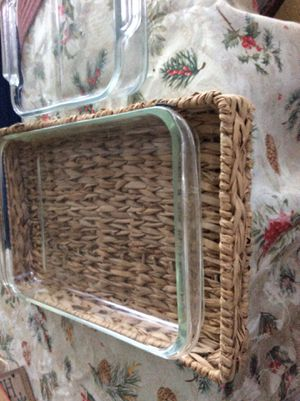 Pyrex baking dishes with basket and cover and smaller extra dish for Sale in Dana Point, CA