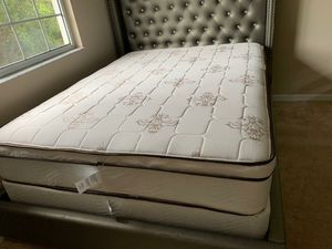 New queen mattress pillowtop and box spring BED FRAME IS NOT INCLUDED for Sale in West Palm Beach, FL