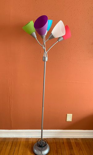 5ft multicolor lamp for Sale in Hampton, VA