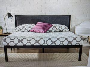 """Brand New (in the box) Zinus Korey 14"""" Queen Platform Bed with Headboard in Grey for Sale in Cincinnati, OH"""