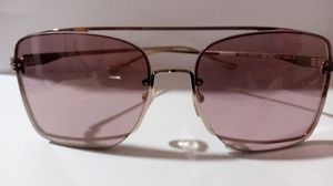 New Tom ford men's aviator sunglasses shades model PENN TF655 GOLD W/ ROSE LENSES for Sale in Oakland, CA