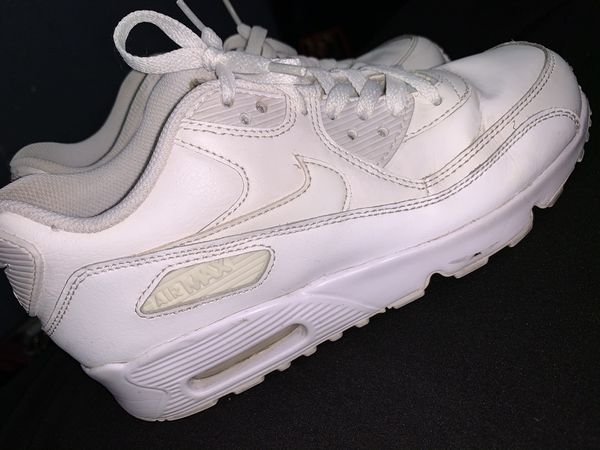 Air Max Nikes Shoes ( SIZE 5y )