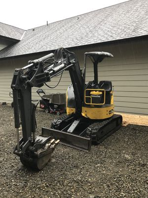 Komatsu pc28-uu mini excavator for Sale in Federal Way, WA