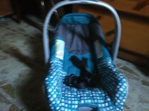 Baby infant car seat for Sale in Lynwood, CA