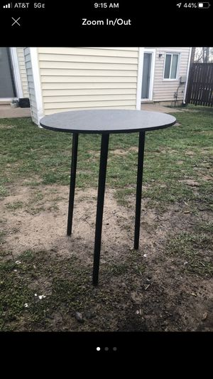 Small black table for Sale in Alexandria, VA