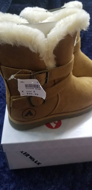 Girls winter boots size 2 for Sale in Rancho Cordova, CA