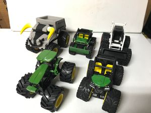 """John Deere collection of monster trucks and tractors By ERTL 3,5-5"""" long for Sale in Kirkland, WA"""