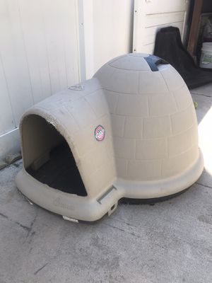 Dog igloo house for Sale in Chicago, IL