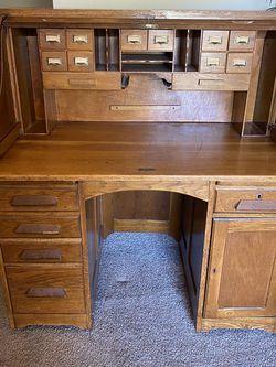 Solid Oak Antique Roll top Desk for Sale in Largo,  FL