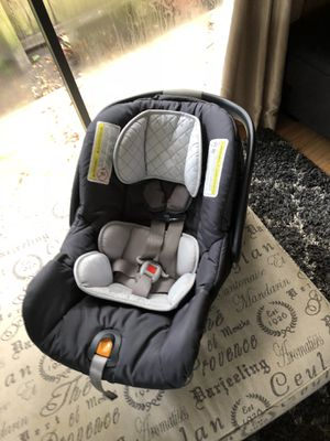 Chicco baby car seat & base for Sale in Thonotosassa, FL