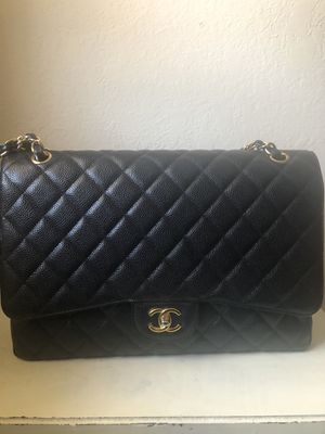 Chanel maxi single flap classic handbag for Sale in Beverly Hills, CA