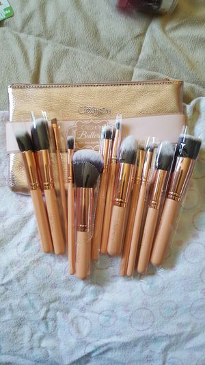 Set 12 brushes new!! for Sale in Las Vegas, NV