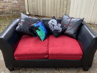 Love Seat for Sale in Houston,  TX