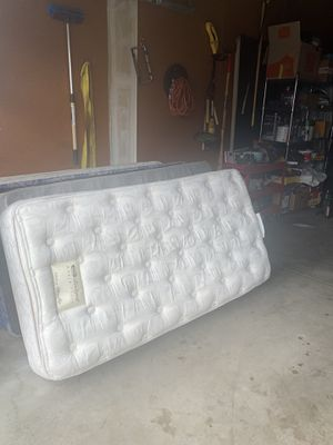 Twin size mattress and box spring for Sale in Littleton, CO