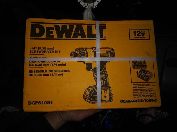 Dewalt 1/4inch cordless srewdriver kit