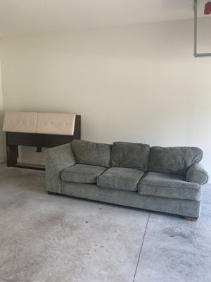COUCH FOR DONATION!! ⚠️Headboard GONE⚠️ for Sale in Windermere, FL