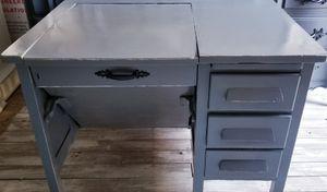 Antique desk for Sale in Oregon City, OR