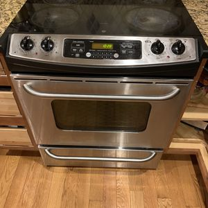 GE Electric Oven for Sale in Annandale, VA