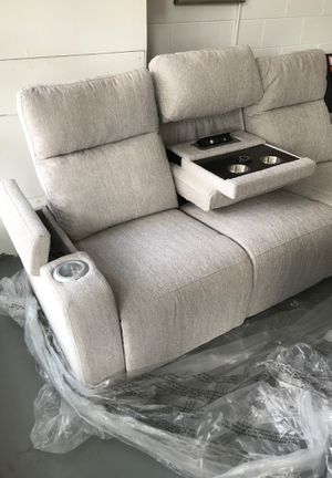 Brand new power couch with USB plugs cupholders And recline for Sale in St. Louis, MO