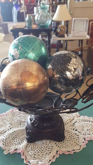Metal Pedestal Bowl with 3 World Globe Orbs for Sale in Columbia, TN