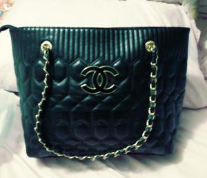 Chanel quilted black leather vintage bag for Sale in Navarre, FL