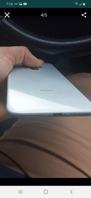 iPhone 7 plus factory unlocked 256gb for Sale in Tamarac, FL