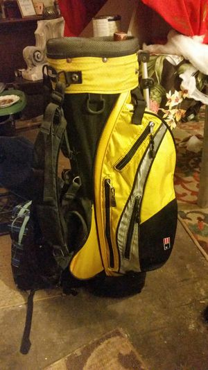 Very nice canary yellow uskg Champion golfing bag for Sale in Saint Albans, WV