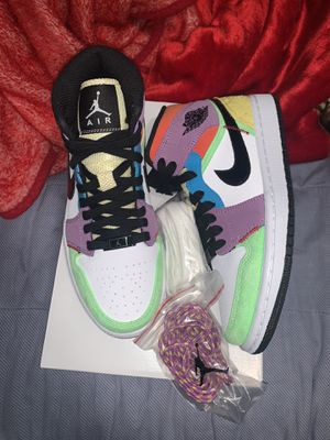 Air Jordan 1 lightbulb multicolor for Sale in Houston, TX