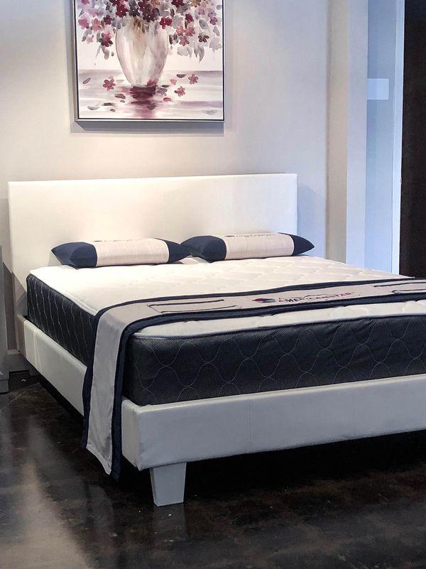White full size bed plus full size plush mattress
