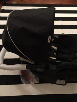 Infant Car seat New (never used) for Sale in West Grove,  PA