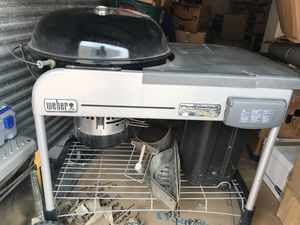 """Weber 22"""" Charcoal grill with gas starter, cover, and utensils for Sale in Austin, TX"""