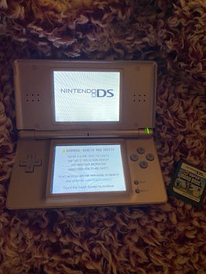 Rose gold Nitendo DS Lite / With Game for Sale in Lakewood, CO