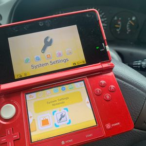 Nintendo 3ds in red for Sale in Kissimmee, FL