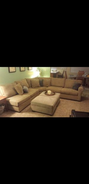 Large Sectional Couch 4 pc w/Chaise Lounge for Sale in Fresno, CA