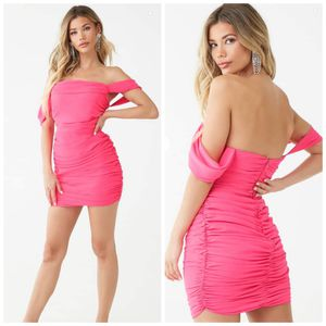 Small, forever 21 neon pink rouched dress for Sale in Compton, CA