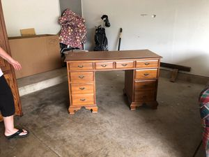 Free desk for Sale in Naperville, IL