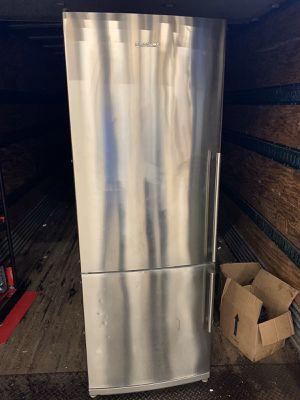 Blomberg refrigerator for Sale in Carteret, NJ