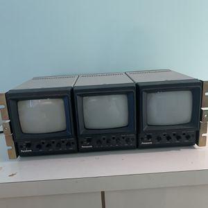 Panasonic WV-5200B (3) Monitors W/ WV-5203B Video Monitor for Sale in Manalapan Township, NJ