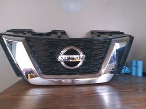 2017-2018 Nissan Rogue chrome plastic front bumper Gille OEM Used for Sale in Wilmington, CA