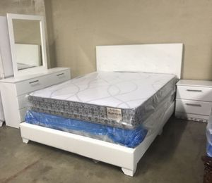 Brand new queen leather tufted bedroom set no mattress 4 pc bed frame dresser mirror and 1 nightstand for Sale in North Miami, FL